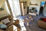 Der Wohnraum mit TV