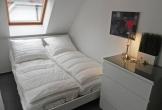 Zweites Schlafzimmer mit Doppelbett ...