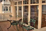 Balkon mit Gartenmöbeln