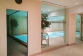 Schwimmbad-mit-Gegenstromanlage
