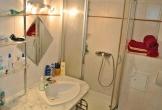 Badezmmer mit Dusche