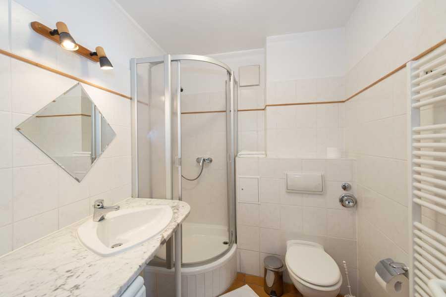 ferienwohnung volsvitz typ1 nr 08 mit 1 schlafzimmer. Black Bedroom Furniture Sets. Home Design Ideas