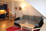 Sitzgruppe, Esstisch und Küchenzeile