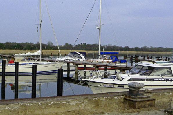 Boote im Naturhafen Gustow