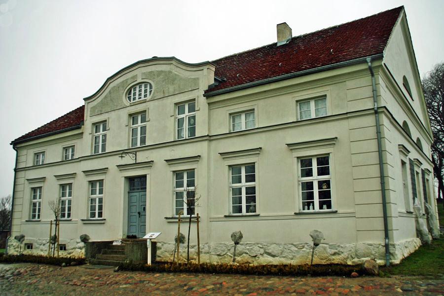 Gutshaus Gobbin im Jahr 2005