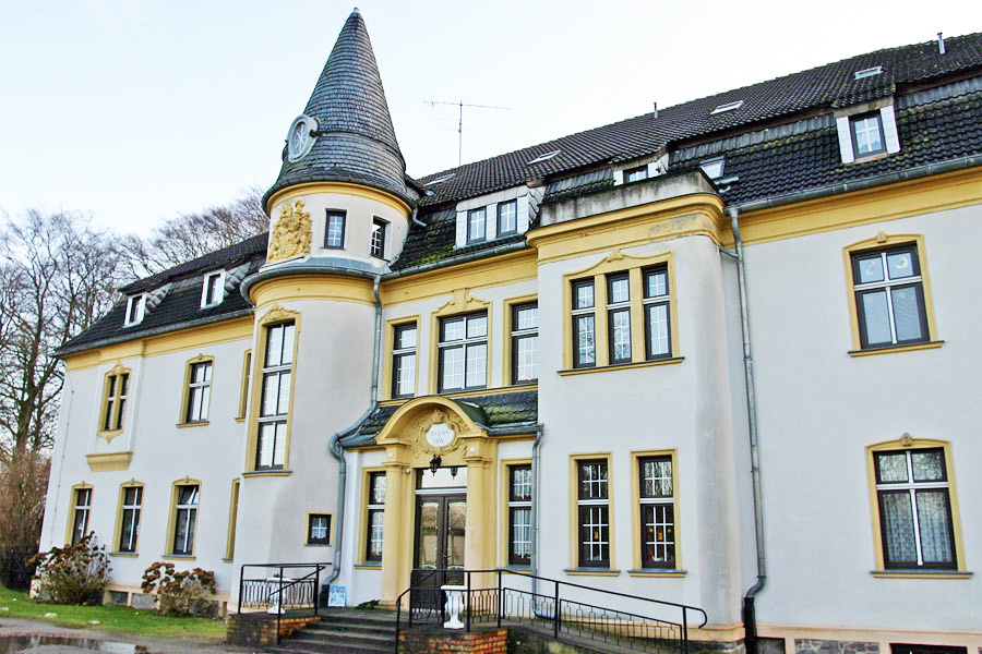 Herrenhaus in Kapelle, heute genutzt als DRK-Pflegeheim