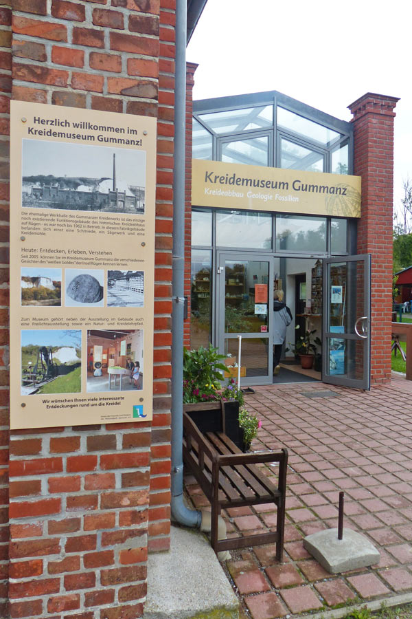 Eingang Kreidemuseums Gummanz