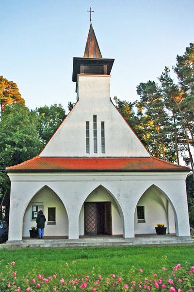 Dorfkirche Baabe im Jahr 2005