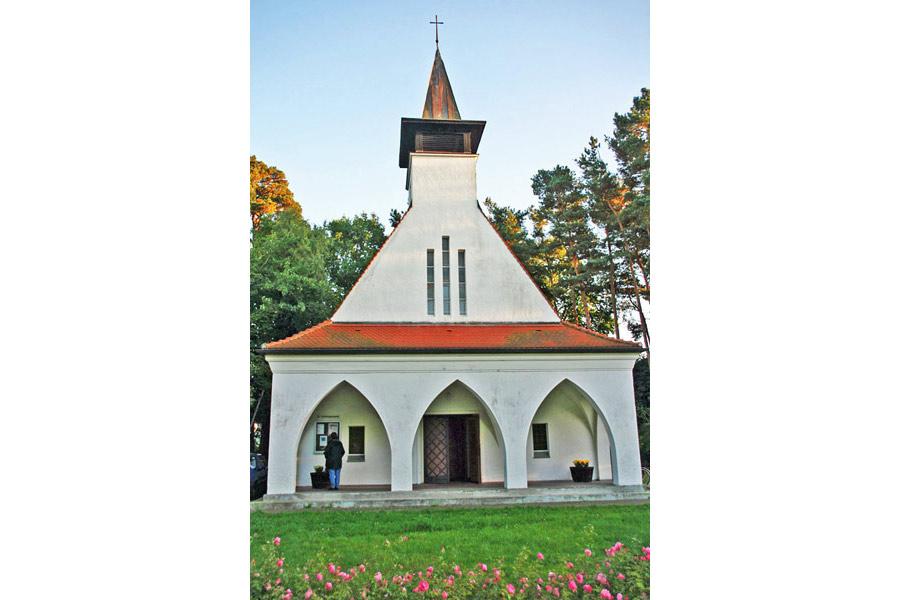 Evangelische Kirche Baabe im Jahr 2005