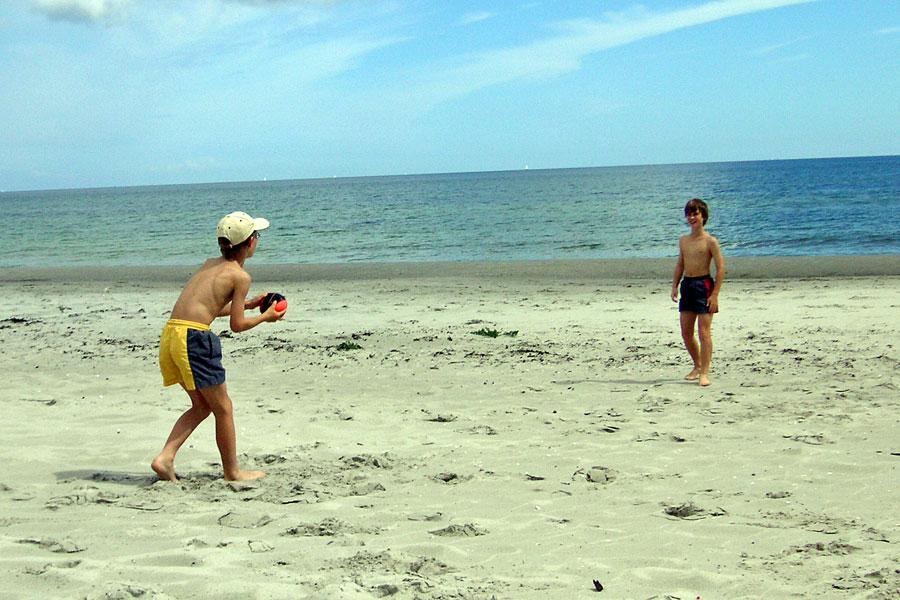 Kinder Ballspiel