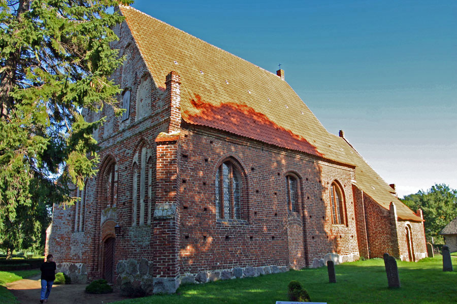 St. Andreas Kirche Rappin im Jahr 2005