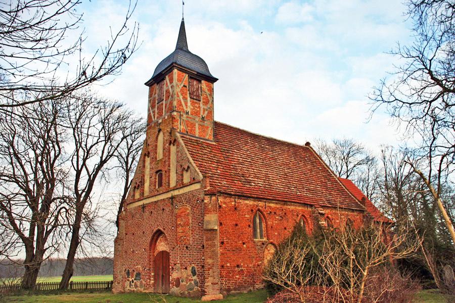 Kirche Landow 2005