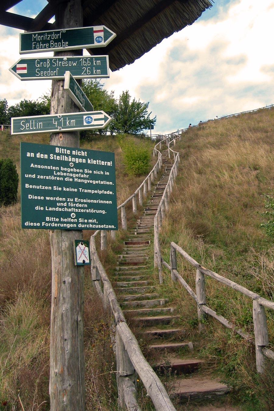 Ca. 200 Treppenstufen Aufstieg zur Moritzburg