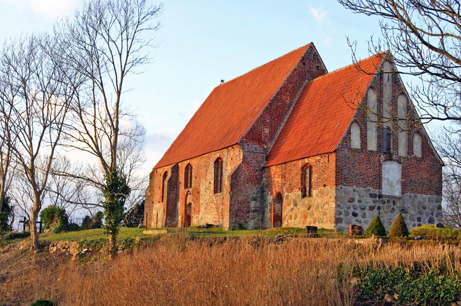 Maria-Magdalena Kirche Neuenkirchen im Jahr 2005