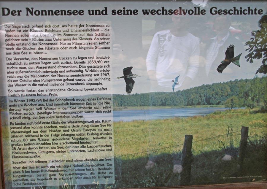 Hinweisschild über den Nonnensee