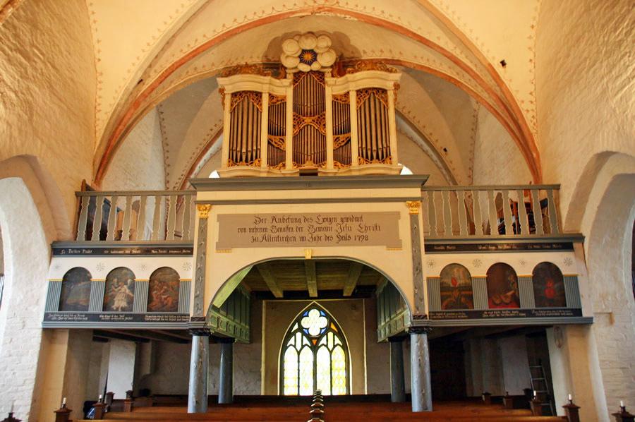 Orgel der Pfarrkirche Altenkirchen im Jahr 2005
