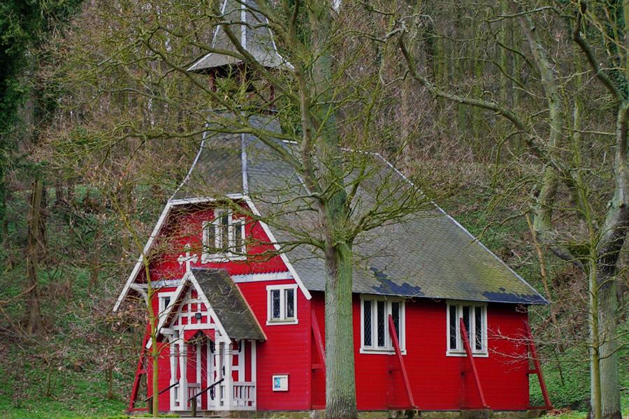 Kirche Ralswiek im Jahr 2005