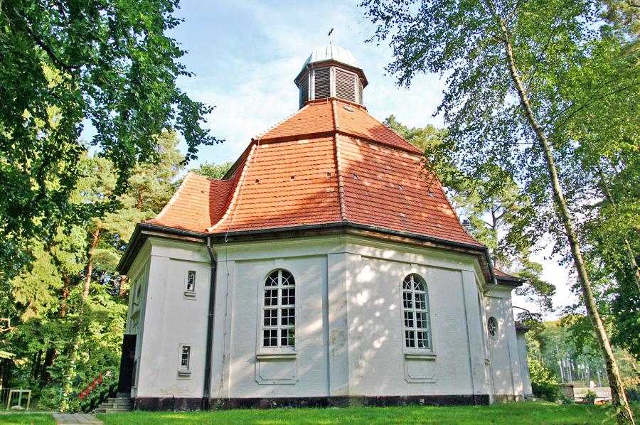Gnadenkirche Sellin im Jahr 2005