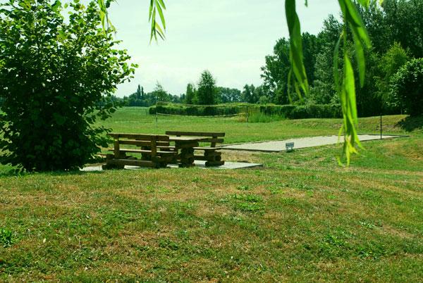 Der Sitz- und Ruheplatz am Spielplatz