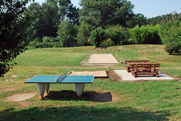 Tischtennes, Boccia oder Sitzbank