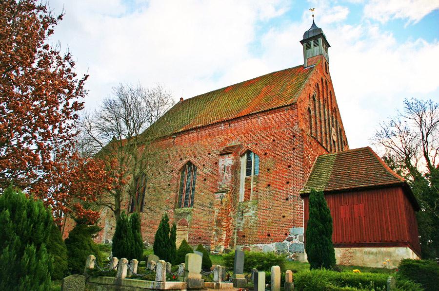 Dorfkirche Gustow 2005