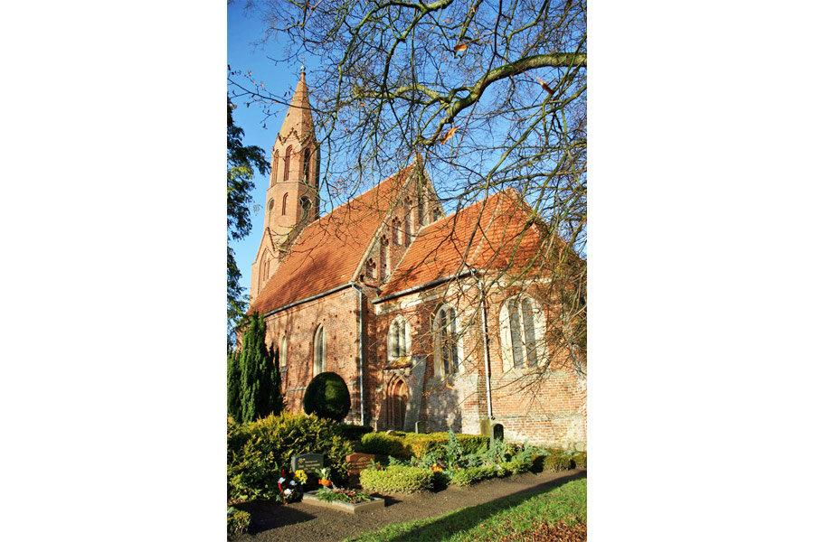 St. Jacobskirche Kasnevitz im Jahr 2005