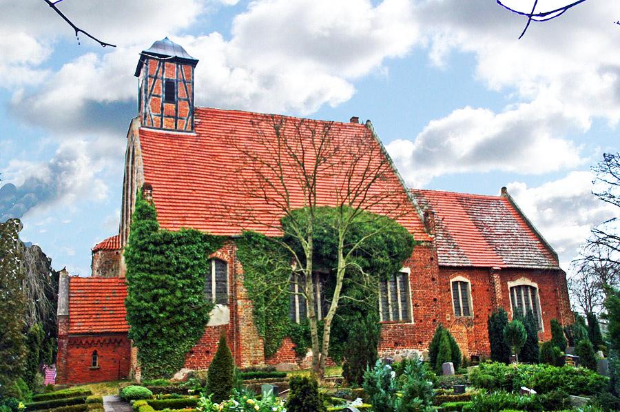 Kirche Samtens im Jahr 2005