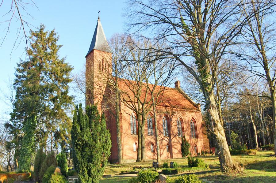 Dankeskirche Sehlen im Jahr 2005