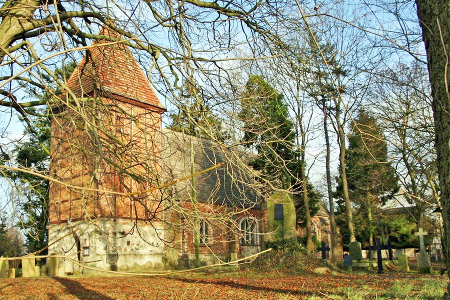 St. Stephanuskirche Swantow im Jahr 2005